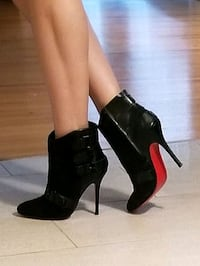 Booties New christian louboutin  7-7.5 Burnaby, V5A 4A5