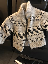 white and black knitted cardigan 3487 km