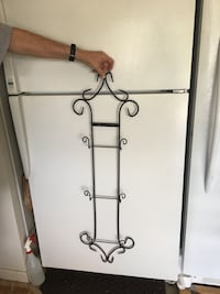 Wall wrought iron displays 3 plates Spring Hill, 37174