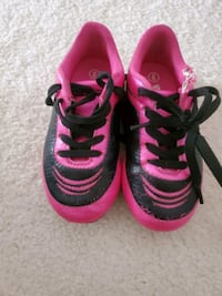 Kids size 9 soccer cleats Wake Forest, 27587