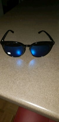 Gucci sunglasses brand new never even worn Gucci Toronto, M4A 2W1