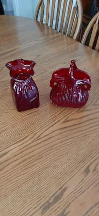 2 Red Glass Vases Mississauga, L5R 2A4