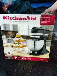 Kitchen Aid stand mixer box Richmond, V7C 0A2