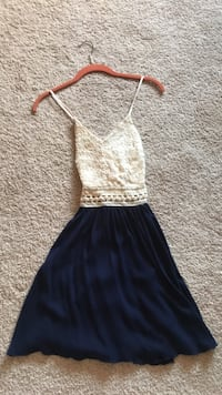 cute cream and navy dress size XS 3487 km