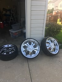 Chrome 5-spoke car wheel with tire set Baltimore