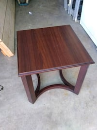Brown 20 in square end table, specifics are in the pictures,pick up  Las Vegas, 89121