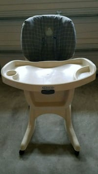 High chair and changing pad, all for 10.00 Charlotte, 28273