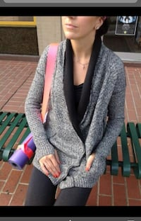 As new ~ lululemon post practice cardi size 8/10 ~ retailed $150+ Surrey, V4N 6A2