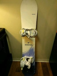 white and blue snowboard with bindings Aurora, 80014