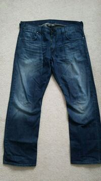 levis 514 straight jeqns. ***PICKUP ONLY**** Port Coquitlam, V3B 7Z8