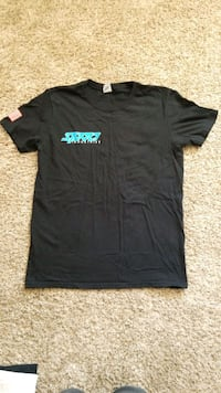 Men's medium Shirt Victorville, 92392