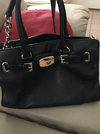 Used MK leather purse  Edinburg, 78542
