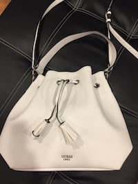 GUESS white leather purse Calgary, T2L