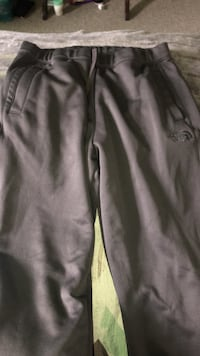 North face sweat pants / lg 152 mi