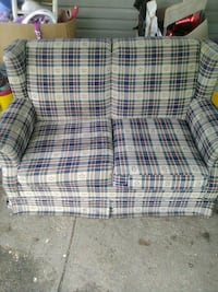 white and red plaid sofa chair Omaha, 68112