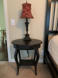 round brown wooden side table Long Beach, 90804