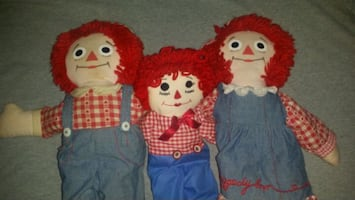 Raggedy Anne and Andys dolls