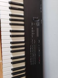 ROLAND D-5 Multi Timbral Linear Synthesizer Keyboard Maple Grove