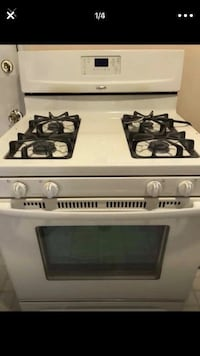 White Whirlpool Gas Stove And Hood Sterling Heights, 48310
