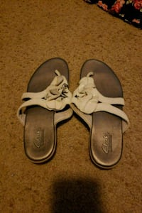 pair of brown-and-white sandals Paradise, 95969