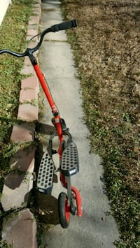 red and black string trimmer Aurora, 80010