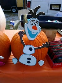 Olaf pumpkin push ins!! West Fairview, 17025