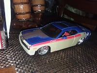 124scale like new Dodge Challenger. Very kool Amer