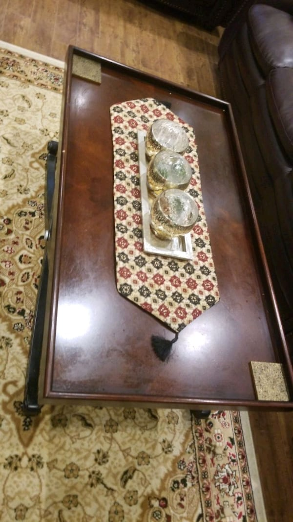 coffee table  993be3df-37ad-406f-b97d-a9d7c765675a