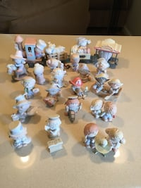 Ceramic figurine collections