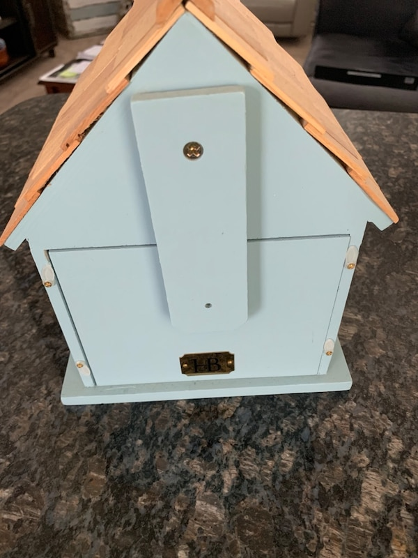 Decorative Bird House  44110f89-0863-4e56-a3a7-9bb05fda012c