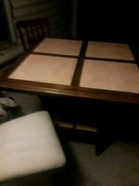countertop height 5 piece kitchen table great cond Indianapolis, 46218