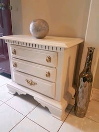 Single side table Markham, L3T 6V6