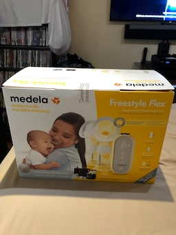 Used Medela Freestyle Flex Double Electric Breast Pump For Sale