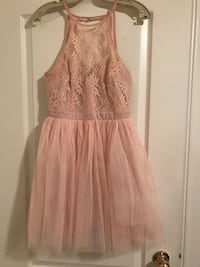 Pretty Lace & Tulle Dress Mississauga, L5M 6V8
