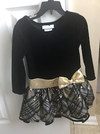 Beautiful Holiday dress 3T new condition
