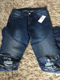 New w/tags jr size 5 women's  jeans