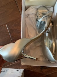 New Wedding shoes or party shoes Coquitlam, V3C 5L6