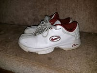 white-and-red Nike leather shoes Mission, V2V