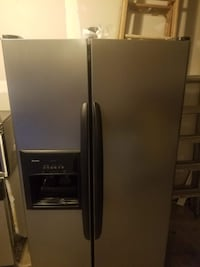 Stainless Steel Appliances (Gas Range, Microwave, Side-by-Side Refrig, and Dishwasher)