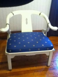 Bench style chair with stars