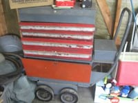 Metal Tool Box Chest w/ lock & keys (local delivery $10) Bettendorf
