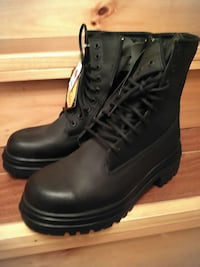 Brand New Vibram steel toe working boots Laval, H7R 5X3