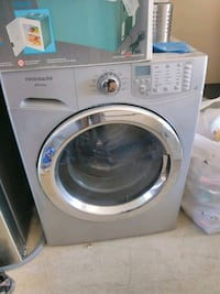 Washer for sale it's working perfectly fine Edmonton, T5T 6P7