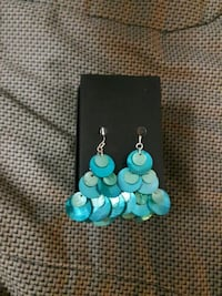 Colored seashell earrings Newmarket, L3X 2P2