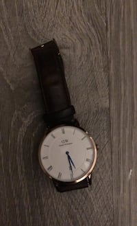 Daniel Wellington Used Watch (multiple scratches on top) Toronto, M5A 4K9