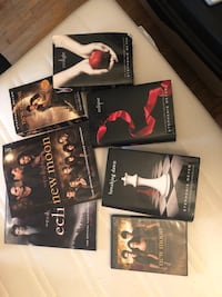 Full set twilight saga plus DVD and behind the scenes of two movies  Toronto, M6A 1T8