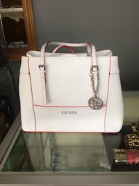 White leather Guess handbag Toronto, M9N 1V8