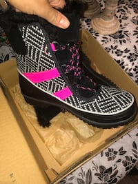 Sorel size 7 brand new in box  Vaughan, L6A 2S2