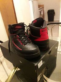 black-and-red nike basketball shoes Harvey, 70058