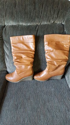 Women's Boots,  size 8M